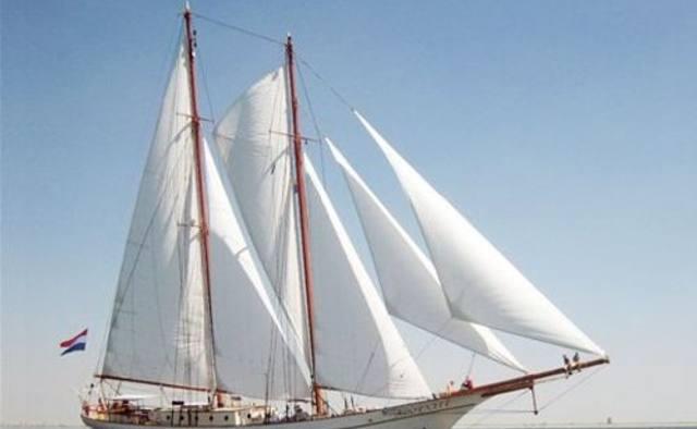 Adornate yacht charter Scheepswerf De Industrie Sail Yacht
