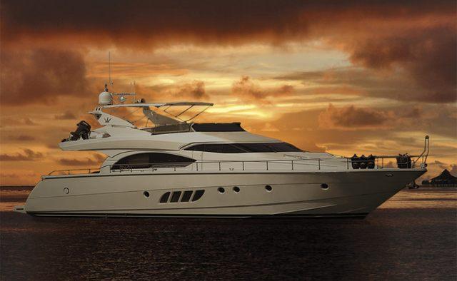 Xtreme yacht charter Dominator Motor Yacht