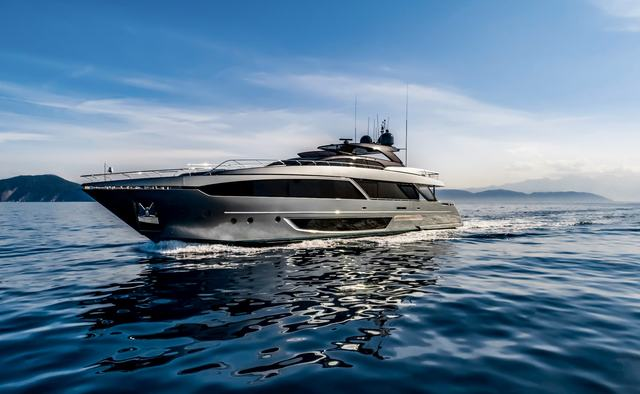Figurati yacht charter Riva Motor Yacht