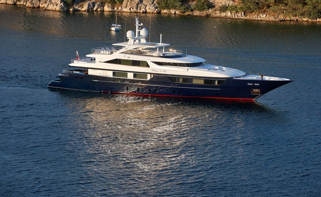 Reve D'or yacht charter Sanlorenzo Motor Yacht