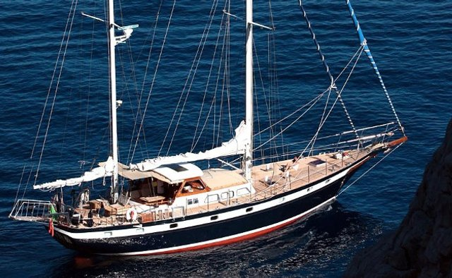 Augustine Yacht Charter in Central America