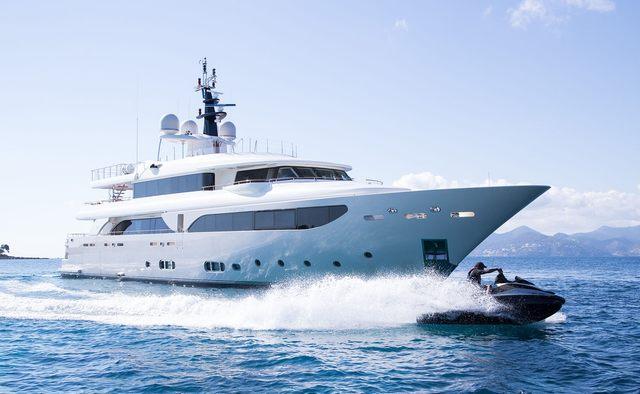 Avant Garde 2 Yacht Charter in St Tropez