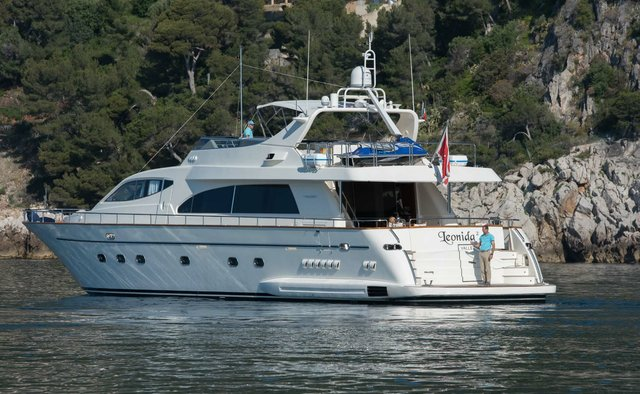 Leonida 2 charter yacht interior designed by Falcon