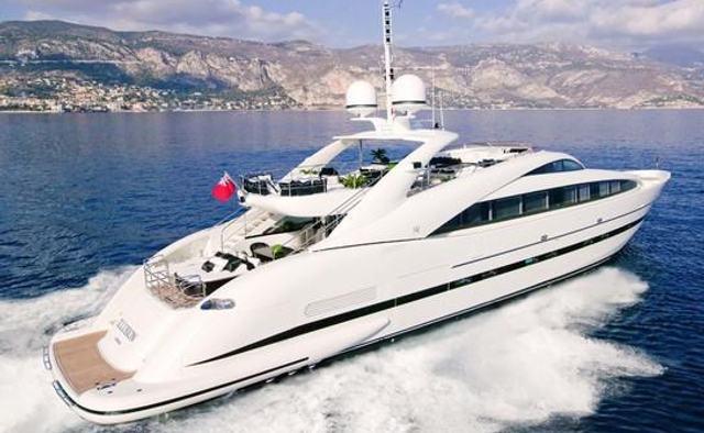 Sun Glider II yacht charter ISA Motor Yacht