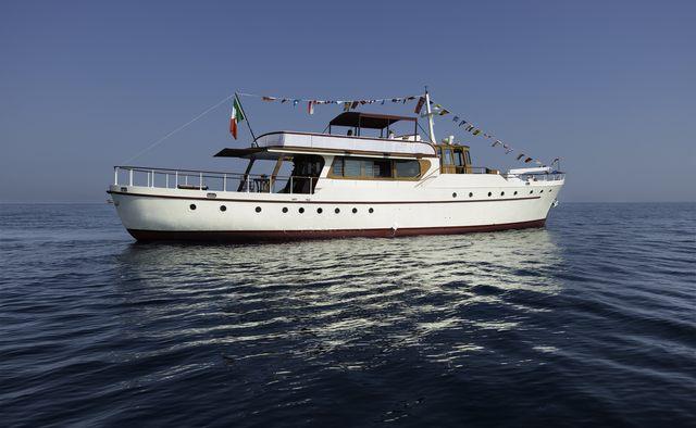 Emerald yacht charter James A Silver Ltd Motor Yacht