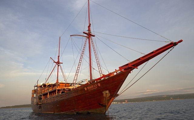 Damai Yacht Charter in Indian Ocean