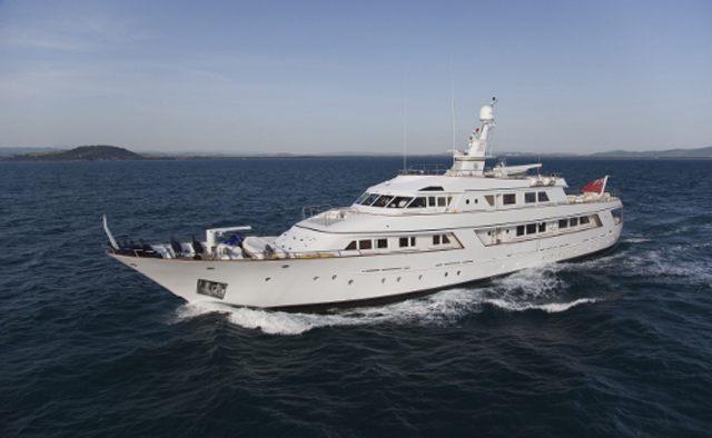 Sirahmy yacht charter Benetti Motor Yacht