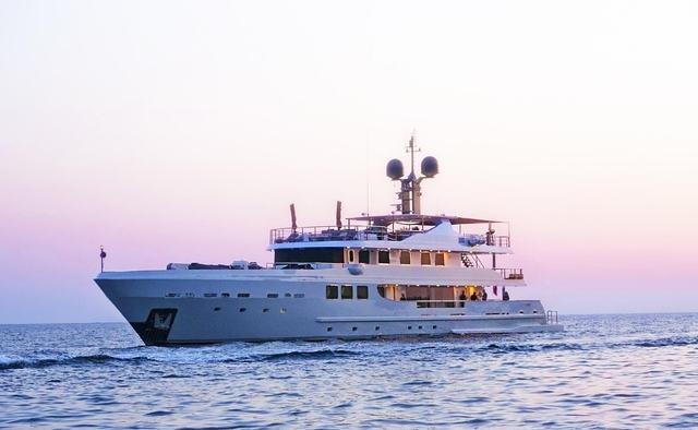 R23 yacht charter AMTEC Motor Yacht