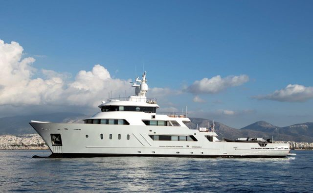 Aspire Yacht Charter in Antibes