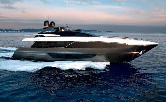 Ruzarija yacht charter Riva Motor Yacht