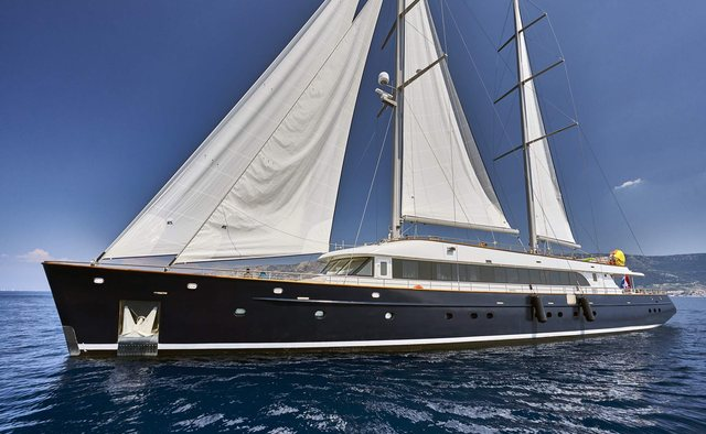 Dalmatino Yacht Charter in Vis