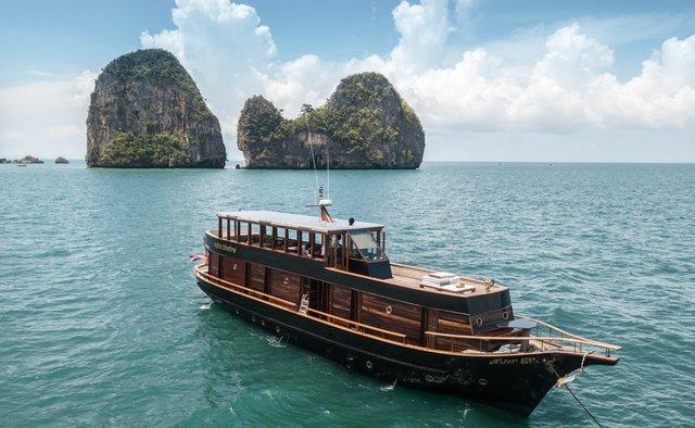 Maha Bhetra yacht charter Custom Motor Yacht