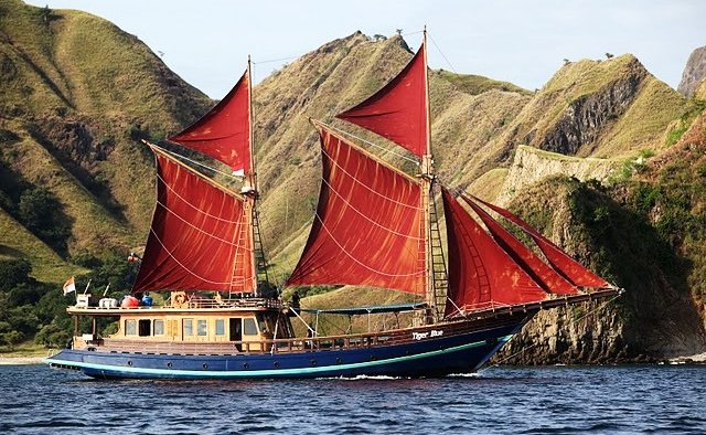 Tiger Blue Yacht Charter in Indonesia