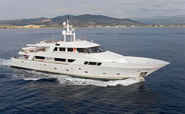 Sensei yacht charter Mitsubishi Heavy Industries Motor Yacht
