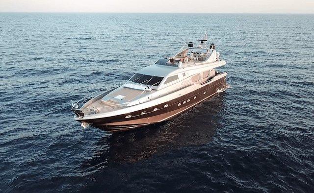 Johnny Handsome yacht charter Posillipo Motor Yacht