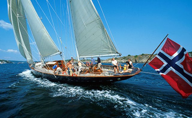 Sincerity yacht charter Baglietto Sail Yacht