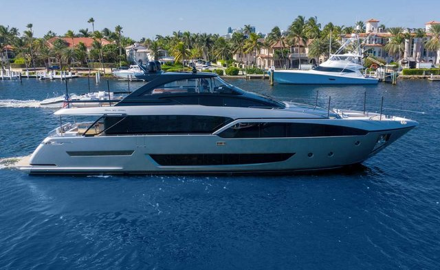 Tasty Waves yacht charter Riva Motor Yacht