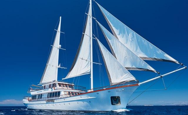 Corsario yacht charter Radez Motor/Sailer Yacht