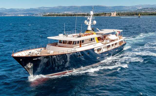 Arionas charter yacht exterior designed by Bannenberg & Rowell
