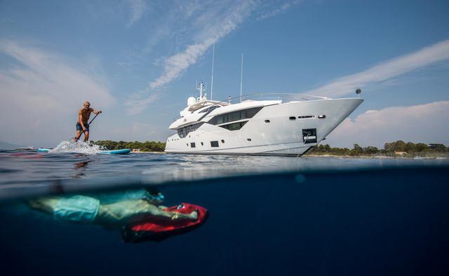 Fleur yacht charter Sunseeker Motor Yacht