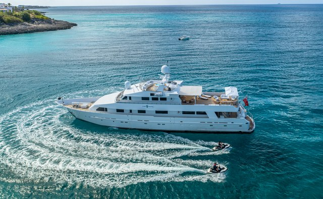 Lionshare yacht charter Heesen Motor Yacht