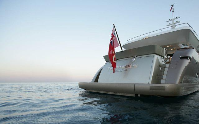 Namaste 8 Yacht Stern