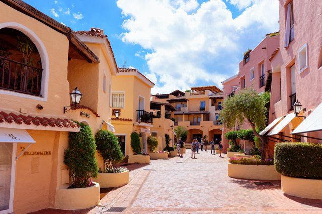 Embark in the glamorous Porto Cervo