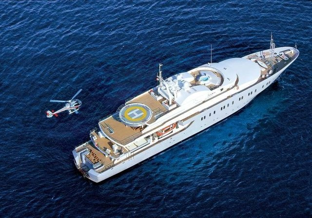 Queen Miri Yacht Video