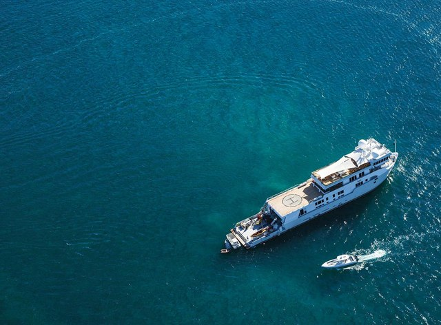 M/Y SuRi to charter around the South Pacific islands this winter