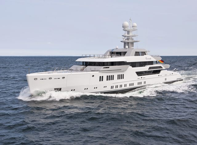 Superyacht 'Ester III' (Project Green) Completes Sea Trials