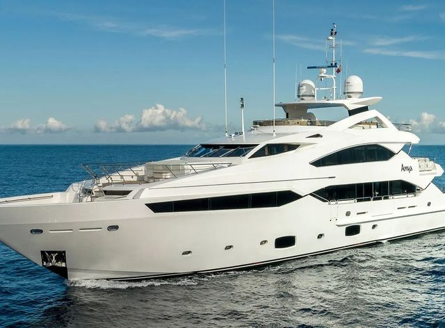 luxury yacht ANYA underway