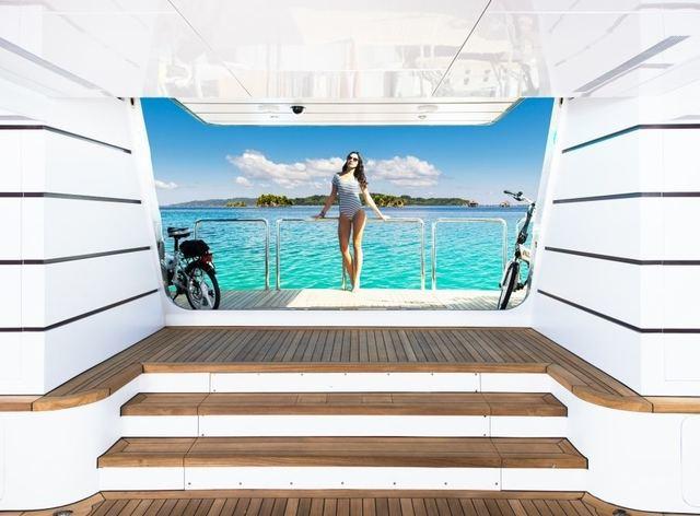 charter guest on beach club on board motor yacht my seanna