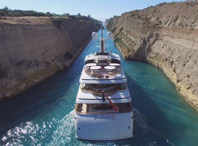 Video: M/Y 'St David' Passing Through The Corinth Canal