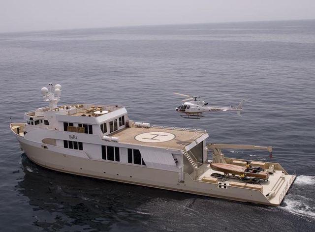 Enjoy Superyacht SuRi's New Submarine in Papau New Guinea
