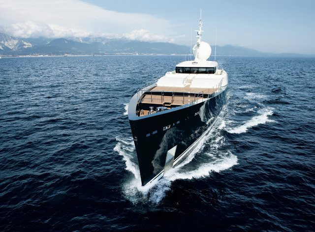 superyacht galileo g underway