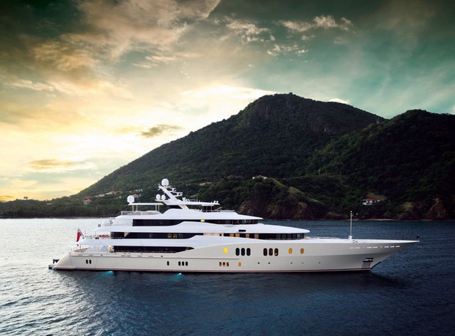 78m superyacht EMINENCE joins the charter fleet