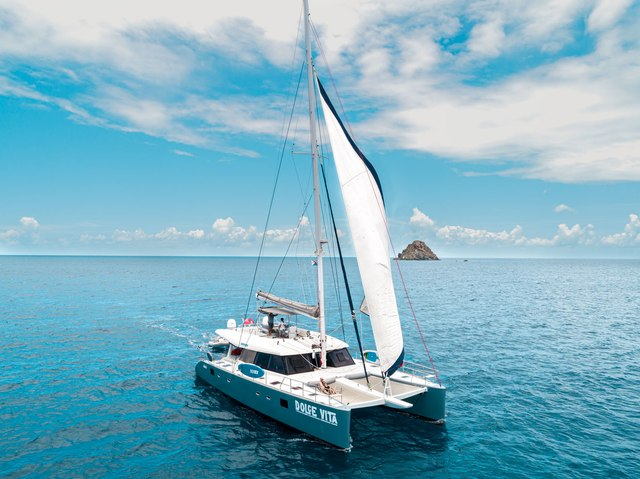 Dolcevitacat Charter Yacht