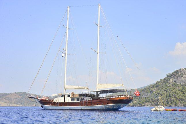 Berrak Su Charter Yacht
