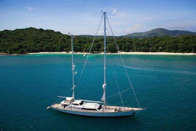 La Numero Uno Charter Yacht