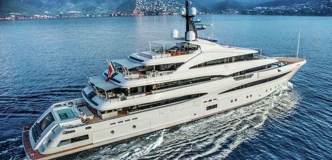 Cloud 9 Yacht Review 74m Luxury Charter Yacht Yacht Charter Fleet