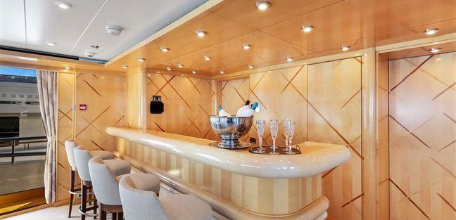 Luna B Charter Yacht - 8