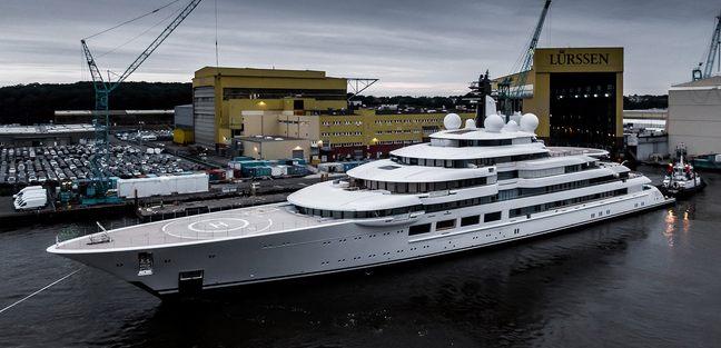 Project Lightning Charter Yacht