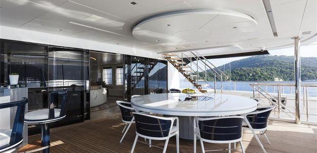 Quinta Essentia Charter Yacht - 3