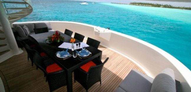 Ultimate Lady Charter Yacht - 4