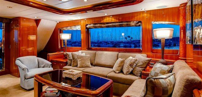 Papa's Palace Charter Yacht - 6