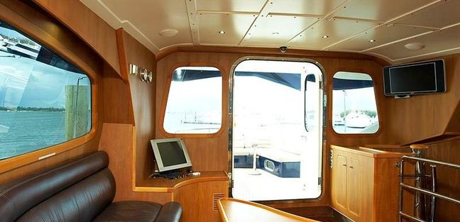 Pacific Huntress Charter Yacht - 5