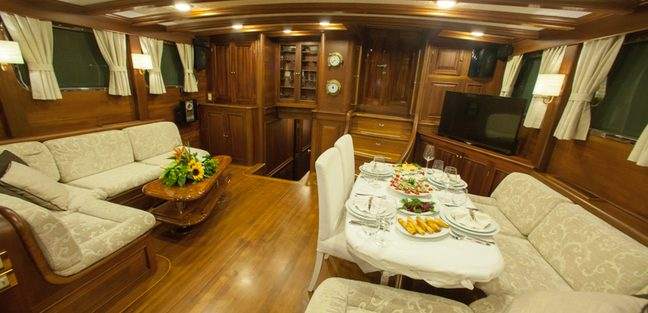 Clarissa Charter Yacht - 6