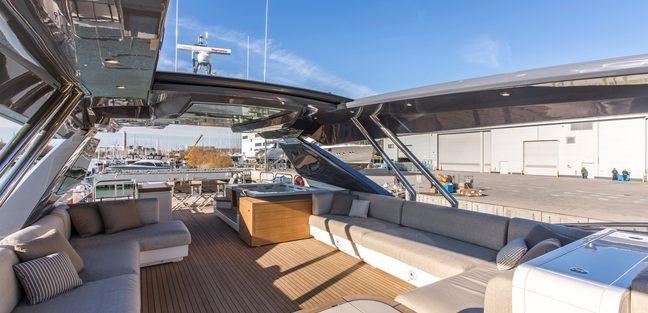 Esmeralda of the Seas Charter Yacht - 2