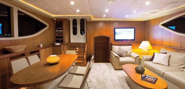 Miss B Charter Yacht - 8