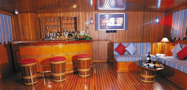 Paloma Charter Yacht - 6